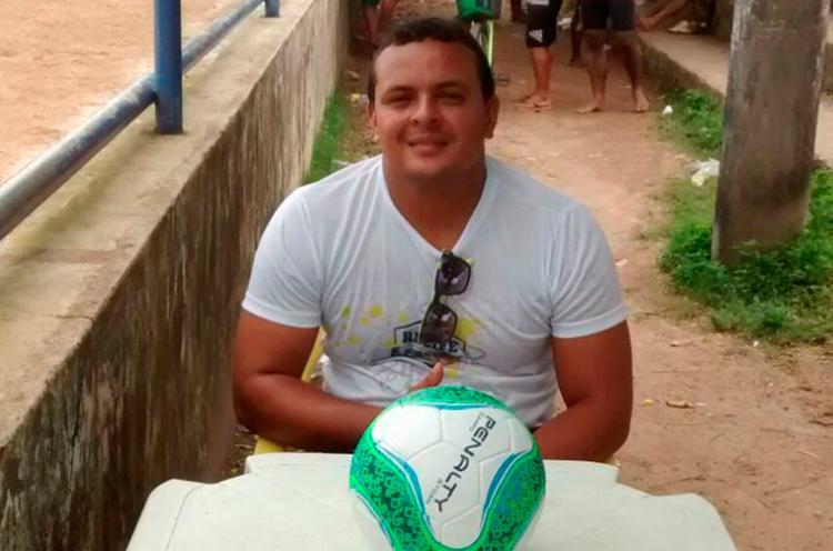 Delegado de Jogo Arthur, no Campo Novais Filho