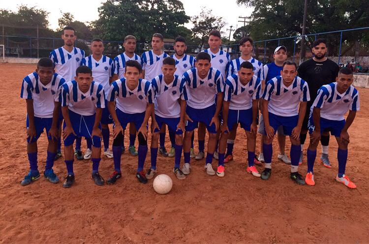 A.A.A.M - Associação Atl. Arruda no campo do CSU Novais Filho.