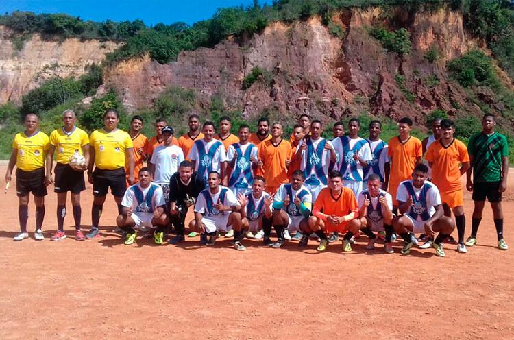 Equipe ADC FC e Mancha Verde FC no Campo do Penharol na RPA-6