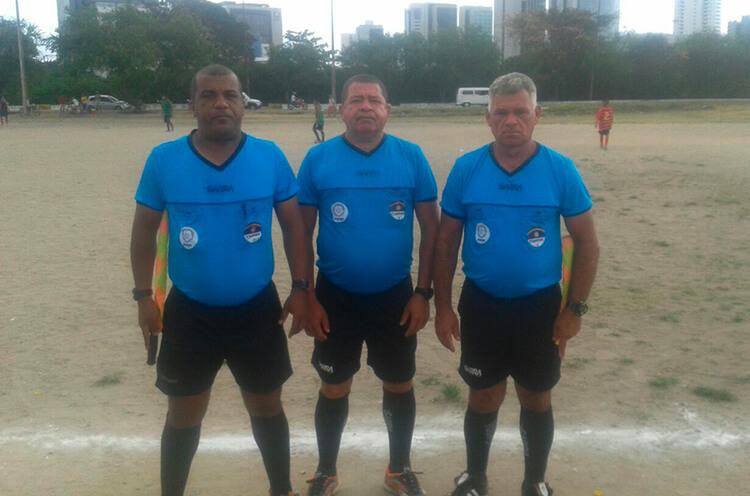 Trio de Arbitragem do jogo entre Milan e Estrela do Norte de Joana Bezerra da categoria Sub-13