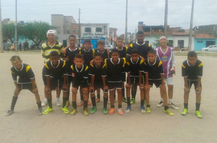 Equipe da Escolinha Recreativa do Fernandinho
