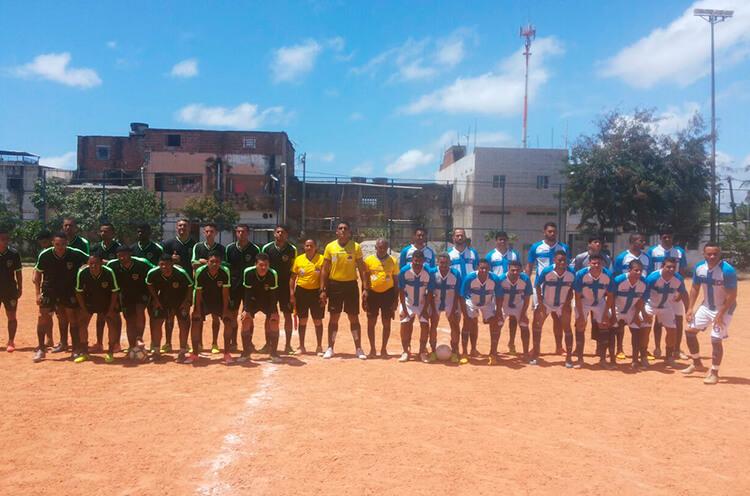 Equipes Arsenal e Poty Resenha FC. no Campo de Roda de Fogo.