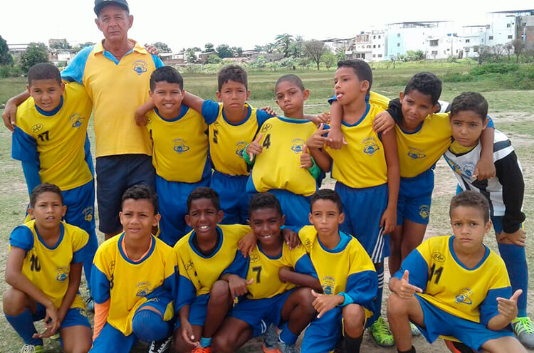 Equipe Sub-11 da Escolinha Átomos