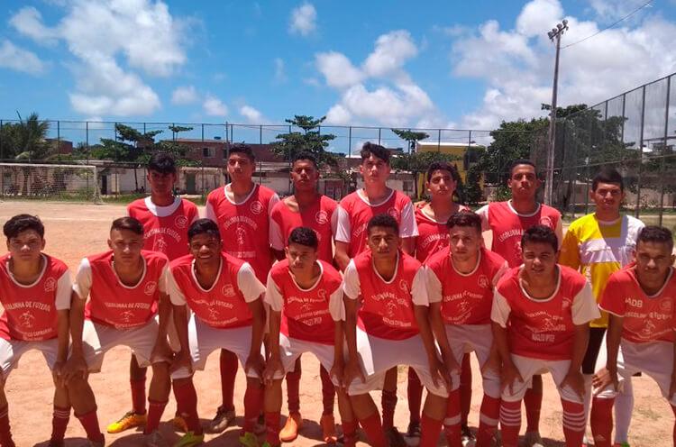 Equipe Sub-17 da Escolinha do Náutico, núcleo Ipsep, no Campo Dancy Day