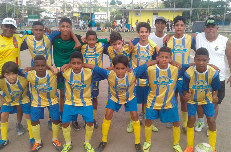 Equipe Sub-13 do Futebol Club Buriti