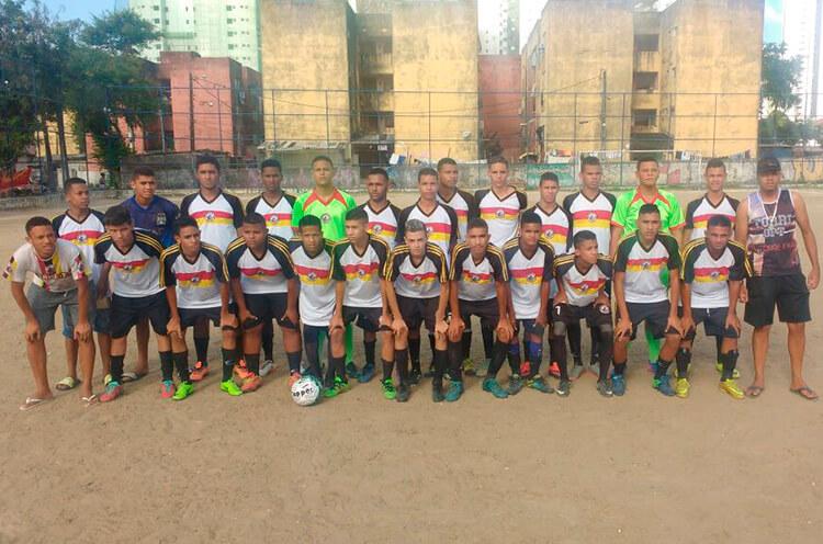 Equipe sub 17 do Torre Vila Santa Luzia.