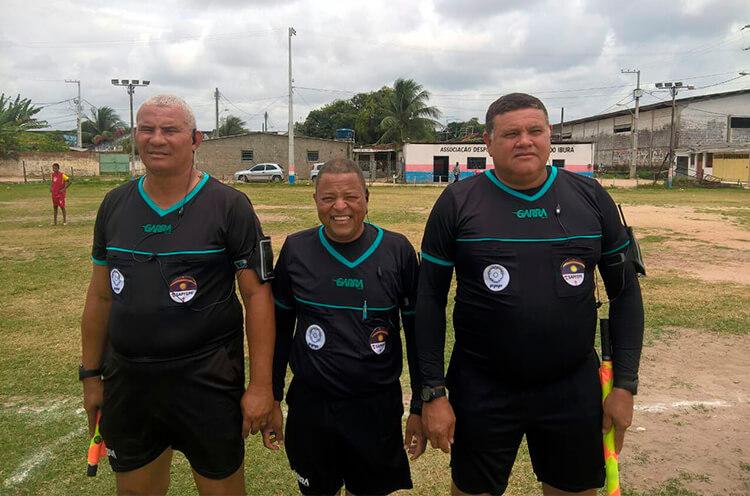 Trio de Arbitragem no campo do Real Madrid do Ibura.