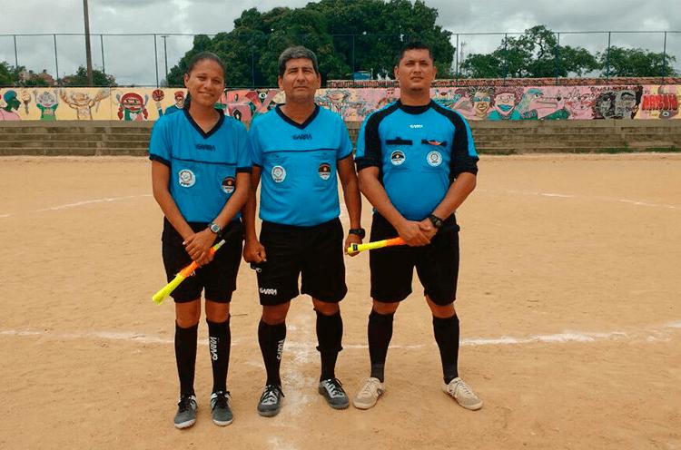 Trio de Arbitragem do jogo da Categoria Sub-13 no Campo Bidu Krause.