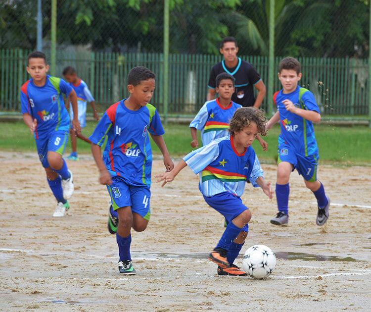 Fim de semana do Recife Bom de Bola tem disputas acirradas e jogos de seis categorias